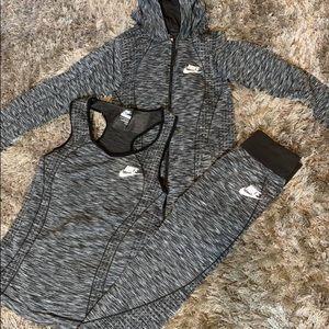 Women 3-pc jogger suit 🏃🏾♀️